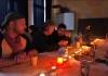 Klönschnack bei Kerzenschein